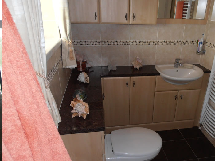 ... Fitted Bathroom Units ... Part 92