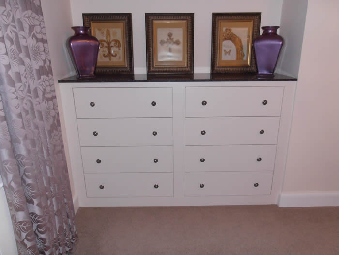 Collection bedroom drawer units .