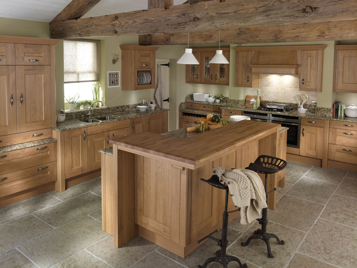 Classic country kitchen designs by alderwood fitted furniture for Country kitchen floor ideas