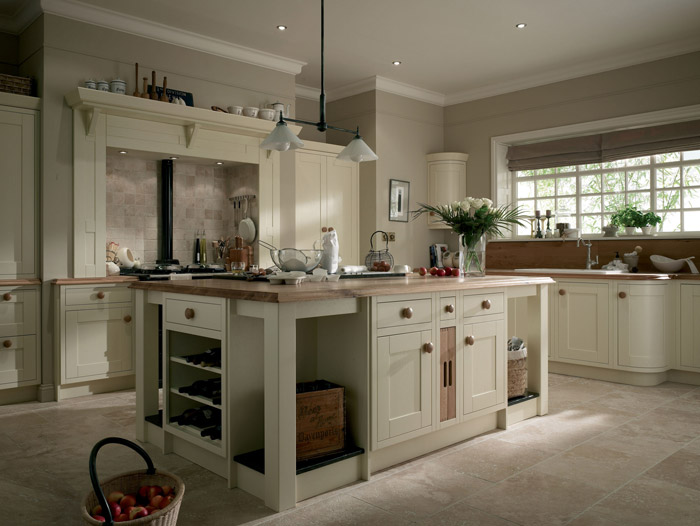 Classic country kitchen designs by alderwood fitted furniture for Country kitchen home plans